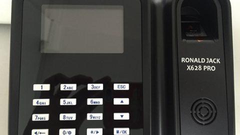 Phần mềm máy chấm công ronald jack x628 pro phiên bản online server
